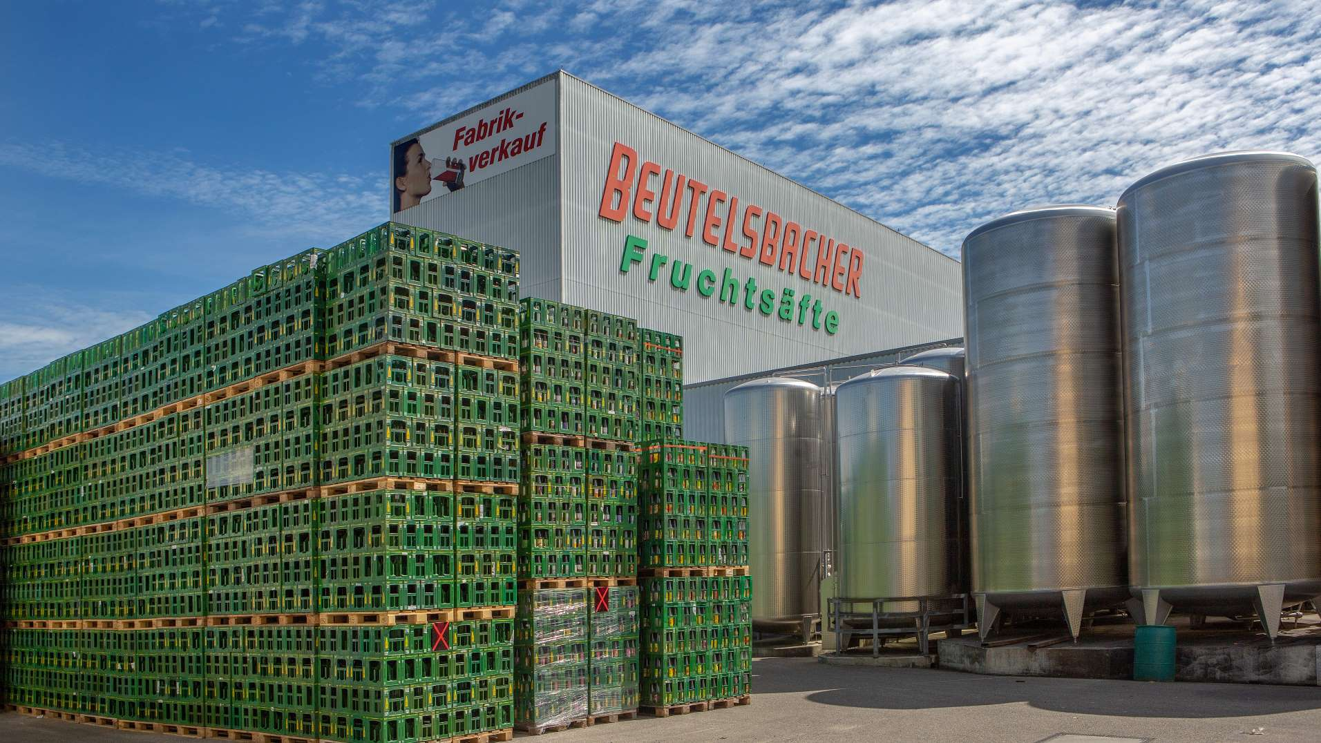 Beutelsbacher Hochregallager Leergut Tanks