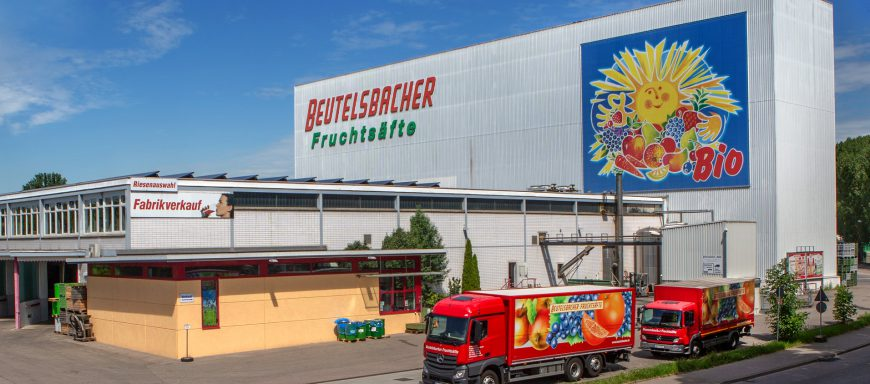 Firmengelände Beutelsbacher mit LKWs